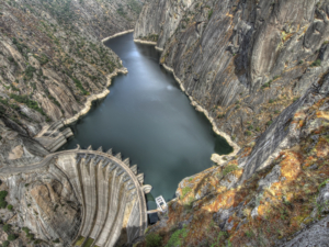 hydroelectric-aldeadávila-dam-on-river-douro